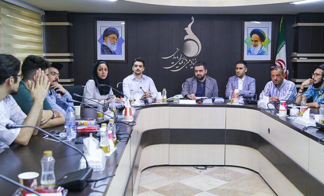 نشست صمیمی استریمرها با مدیرعامل بنیاد ملی بازیهای رایانهای برگزار شد